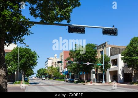 O Street in downtown Lincoln, Nebraska, USA - Stock Photo