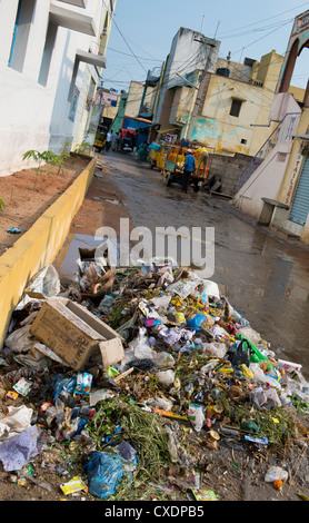 Discarded household waste in an Indian street. Andhra Pradesh, India Stock Photo