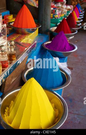 Coloured powders for sale, Devaraja market, Mysore, Karnataka, India, Asia - Stock Photo