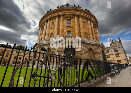 The Radcliffe Camera (round Palladian style library built in 1748), Oxford, Oxfordshire, England - Stock Photo