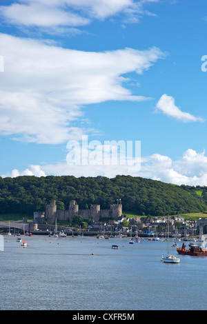 River Conwy estuary and medieval castle in summer, Gwynned, North Wales, UK, GB, British Isles, Europe - Stock Photo