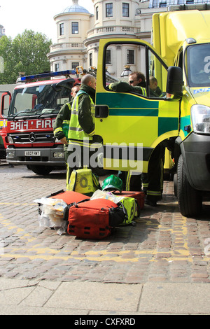 HART team and firefighters attend a suspected chemical incident in central London - Stock Photo