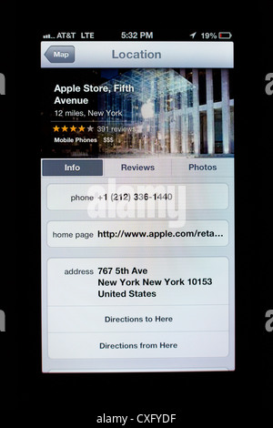 Apple Store Glass Cube on a Fifth Ave shown in Maps app on the screen of a new iPhone 5/iOS 6 - Yelp reviews, location - Stock Photo