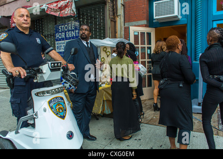 New York, NY, USA, Policeman passing by in Scooter, African American Women at the Brooklyn Street Festival, 'Atlantic - Stock Photo