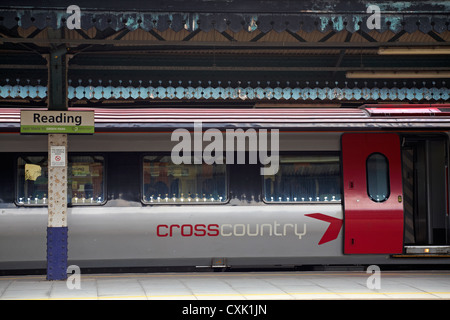 Cross Country train stopped at Reading station in July - Stock Photo