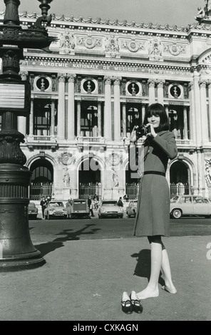 SANDIE SHAW UK pop singer in Paris in 1967 - Stock Photo
