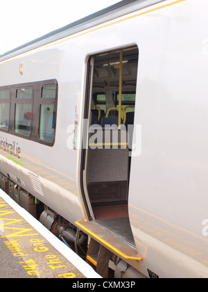 (Larnrod Eireann) Irish-rails Limerick commuter train alongside the main platform at Galway Train Station in the - Stock Photo