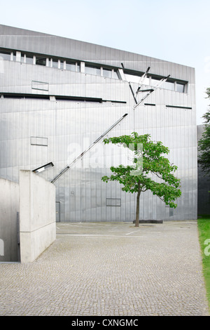 Jewish museum in Berlin by Daniel Libeskind architect - Stock Photo