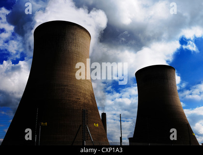 Power Station Cooling Towers, Didcot, Oxfordshire, UK - Stock Photo