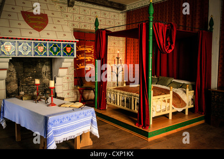 Medieval Bed chamber in the Tower of London complex - Stock Photo