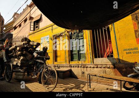 Asia India Uttar Pradesh Varanasi  Alleyways of Benares - Stock Photo