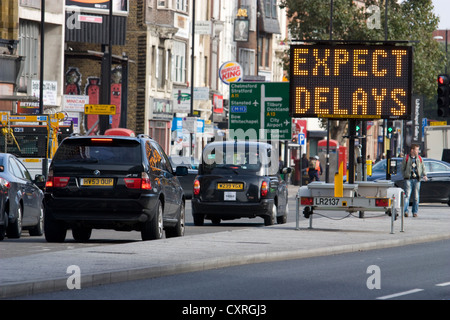 Road works, expect delays sign in congested Central london ... |Electronic Highway Signs Expect Delays