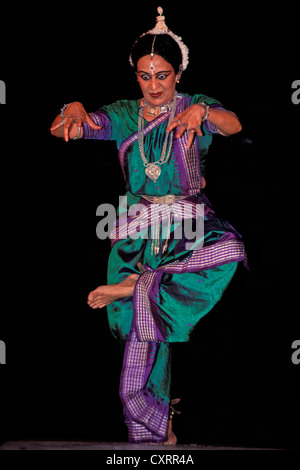 Indian classical dance, Bharata Natyam, dancer Sonal Mansingh, Chennai or Madras, Tamil Nadu, South India, India, - Stock Photo