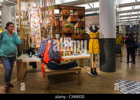 anthropologie store interior nyc stock photo royalty free image 83565005 alamy. Black Bedroom Furniture Sets. Home Design Ideas