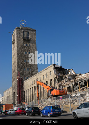 Demolition work on the south wing of Stuttgart Hauptbahnhof, the main railway station, as part of project Stuttgart - Stock Photo