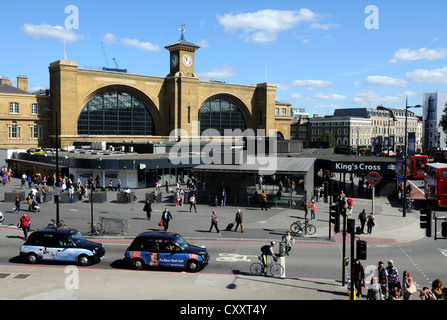 King's Cross railway station, Camden, London, Britain, UK - Stock Photo