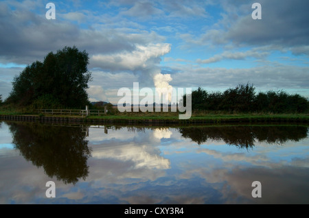 UK,North Yorkshire,Eggborough Power Station,Aire & Calder Navigation - Stock Photo