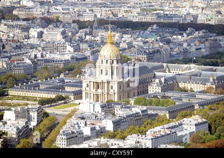 Les Invalides, Paris, France. Golden dome cathedral of the church at 'Les Invalides' Paris, France - Stock Photo
