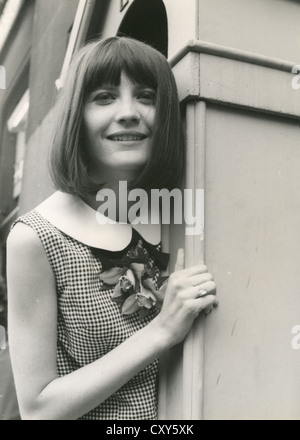 SANDIE SHAW  UK pop singer in 1965. - Stock Photo