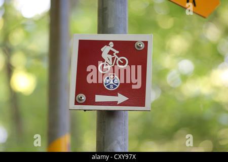 tracking sign, mountains, walking, climbing, mtb, mountain bike, trail, photoarkive - Stock Photo