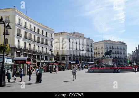 Puerta del sol madrid spain plaque marking kilometer for Plaza puerta del sol madrid spain