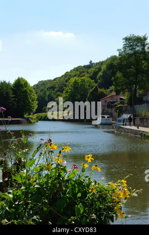 Canal du Nivernais Clamecy - Stock Photo
