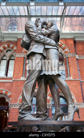 England. London. Interior of St. Pancras International Station showing Paul Day's sculpture 'The Meeting Place'. - Stock Photo