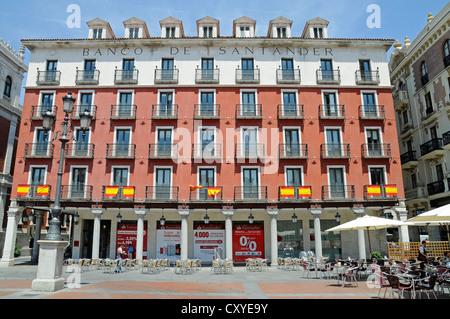 Santander bank building banco de santander insantander for Oficina banco santander valladolid