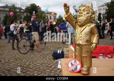 Garden gnome campaign against Nazis, organised by the SPD youth organisation Jusos, young socialists, protest against - Stock Photo