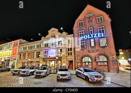 Davidwache police station and St. Pauli Theatre, St. Pauli district, Hamburg - Stock Photo