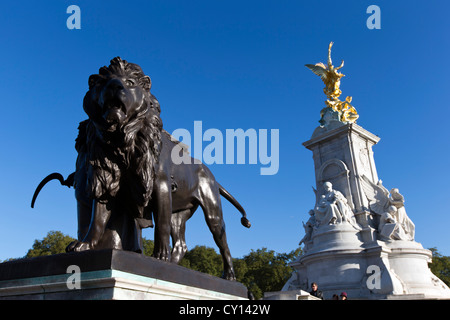 Bronze statue to Agriculture on The Victoria Memorial in front of Buckingham Palace, The Mall, London, England, - Stock Photo