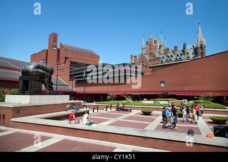England. London. Euston Road. The British Library building & courtyard showing a sculpture of Isaac Newton by Eduardo - Stock Photo
