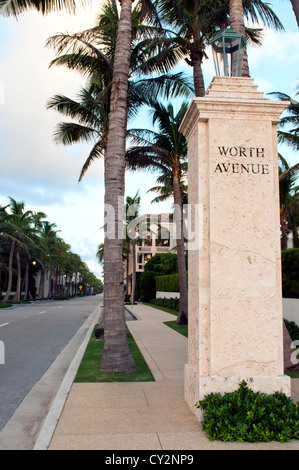 The top of Worth Avenue in West Palm Beach Florida. - Stock Photo