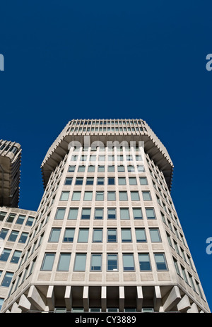 ministry of justice building, designed by fitzroy robinson and partners with sir basil spence in the 1970s, london, - Stock Photo