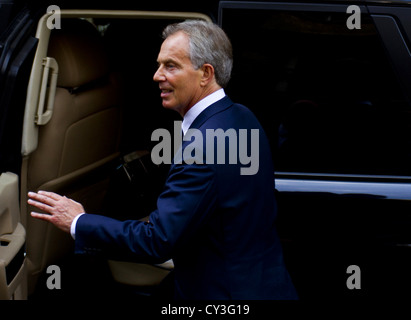 London, UK. 28th May 2012. (Pictured) Former Prime Minister Tony Blair leaves the Leveson Inquiry. - Stock Photo