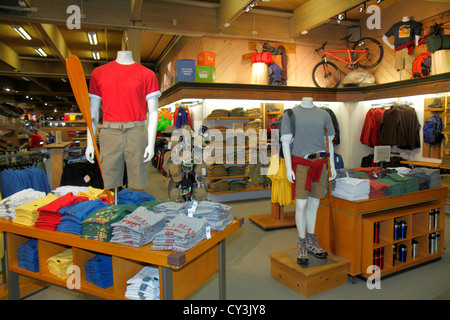 Maine clothing stores