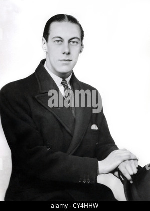 REX HARRISON, SIR (PORTRAIT) AGED 22 RXHS 004 MOVIESTORE COLLECTION LTD - Stock Photo