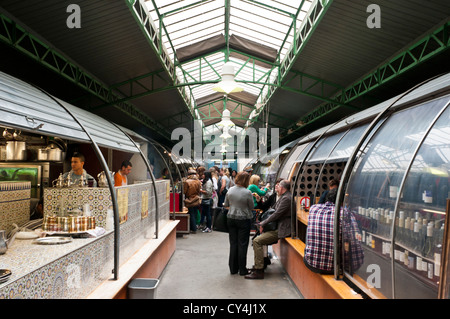 The 'Marche des Enfants Rouges' Parisian outstanding Market, Paris France. - Stock Photo