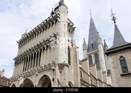Gargoyles on the facade of the cathedral Notre Dame in Dijon, Côte-d'Or, Burgundy, France - Stock Photo