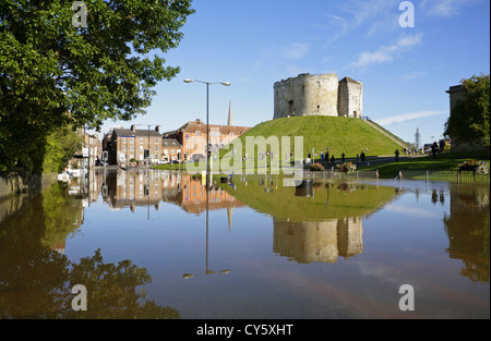 Flooding on Clifford Street alongside the historic Clifford's Tower after the River Ouse burst its banks in the - Stock Photo