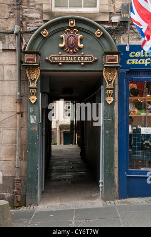 The ornate entrance to Tweeddale Court on The Royal Mile in central Edinburgh, Scotland - Stock Photo