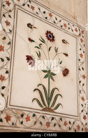 Detail of piedra dura stonework at Khas Mahal in the Red Fort complex - Red Fort, Delhi, India - Stock Photo