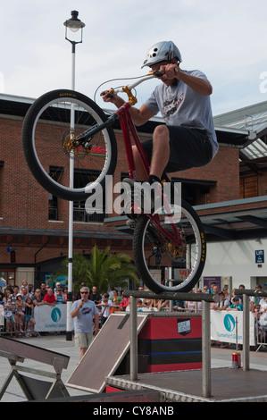 Zero Gravity performed stunts on Mountain Bikes at Gunwharf Quays, Portsmouth. Image taken 12th August - Stock Photo