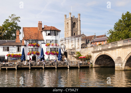 The church and the Angel Hotel next to the bridge over the River Thames at Henley on Thames, Oxfordshire, UK - Stock Photo