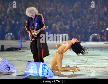 Brian May of Queen with Jessie J - Stock Photo