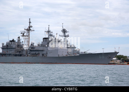 uss anzio guided missile cruiser and navy warships mole pier key west harbor florida usa - Stock Photo