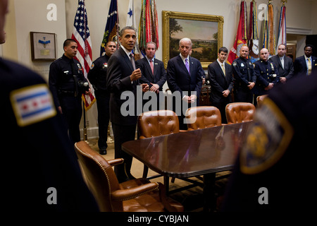 US President Barack Obama and Vice President Joe Biden meet with members of the National Association of Police Organizations - Stock Photo