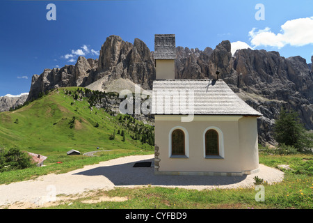 small chapel in Gardena pass, Italy. On background Sella mount - Stock Photo