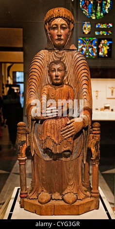 Virgin and Child in Majesty 1150–1200  Auvergne France French Walnut Wood 80 cm  Mary Jesus Christ - Stock Photo