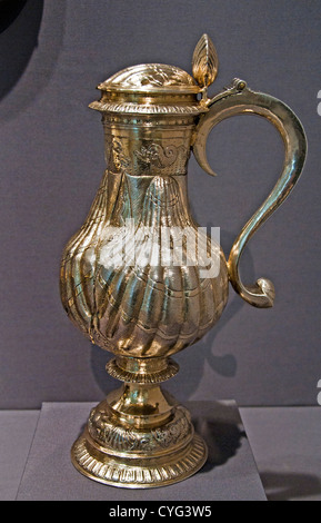 flagon ( livery pot ) bear the arms of Sir Edward Coke and his first wife Bridget Paston 1597 English London 32cm - Stock Photo